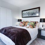 Szafy przesuwane do sypialni – jak wybrać?